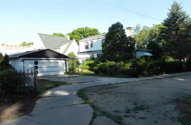 3 Bedrooms, Home, For Sale, Commonwealth Avenue, Second Floor, 2 Bathrooms, Listing ID 1013, Madison, Dane, Wisconsin, United States, 53711,