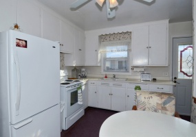 2 Bedrooms, Home, For Sale, Meyer Ave, First Floor, 2 Bathrooms, Listing ID 1004, Madison, Dane, Wisconsin, United States, 53711,