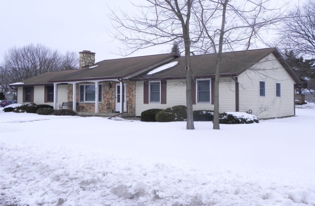 3 Bedrooms, Home, For Sale, Edward, 2 Bathrooms, Listing ID 1040, Verona, Dane, Wisconsin, United States, 53593,