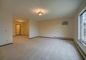 2 Bedrooms, Condo, For Sale, Whitcomb Drive, First Floor, 2 Bathrooms, Listing ID 1038, Madison, Dane, Wisconsin, United States, 53711,